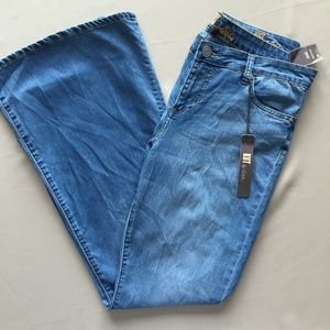 Kut from the Kloth Jane Super Flare Jeans 12 NWT